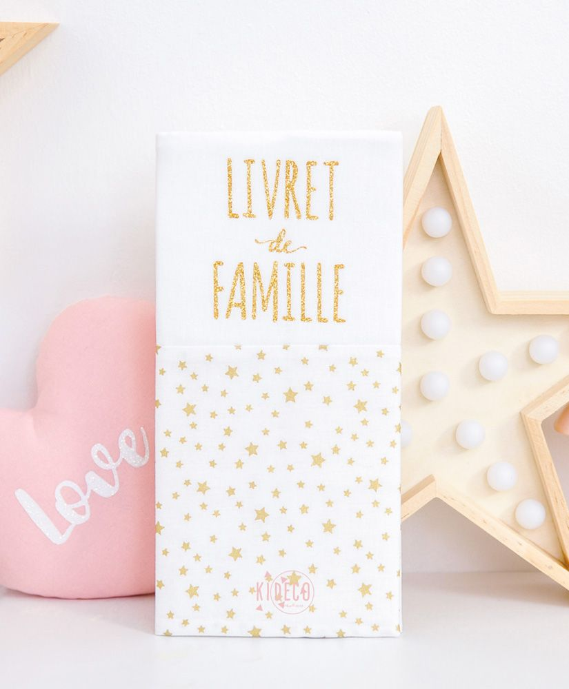 protège livret de famille Rêve étoilé (blanc et étoiles dorées métallisées) personnalisable
