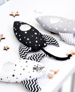 Fusées de dentition (Mini coussin décoratif ou doudou avec anneau de dentition étoile en bois de hêtre naturel non traité)