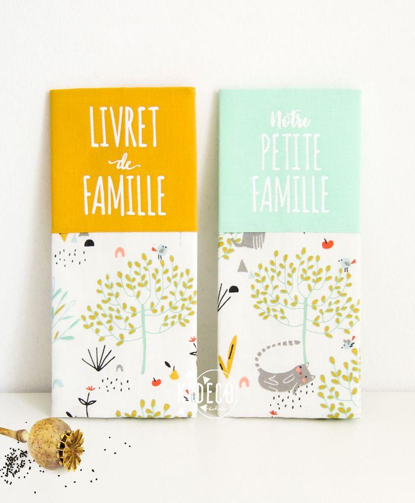 Protège livret de famille Petite Nature moutarde ou vert d'eau personnalisable
