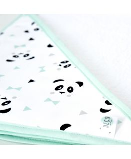 Cape de bain Un, deux, trois, PANDA! vert mint (pandas noirs et gris, noeuds pastels et triangles noirs) éponge 100% coton