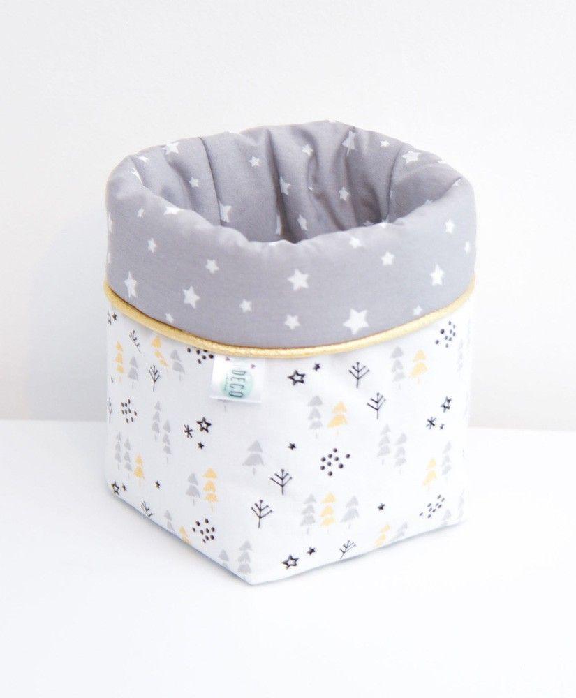 Petite panière Taïga grise (sapins, flocons, étoiles / noir, blanc et gris avec des touches dorées métallisées)