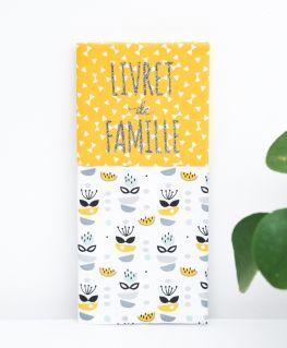 Protège livret de famille My Sweet Oslo moutarde (fleurs, petits noeuds & triangles) personnalisable