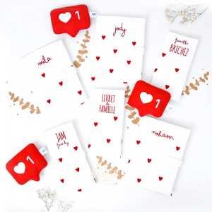 ❤️ [LOVE, LOVE, LOVE]❤️ . Je vous envoie beaucoup de ❤️aujourd'hui! On en a tous besoin! Belle journée! . ◾️Protèges livret de famille DROIT AU COEUR personnalisés ◾️Protèges carnet de santé DROIT AU COEUR personnalisés Mila, Jody & Noham ◾️Doudous IG like classique . Infos & tarifs sur l'e-shop www.kideco.fr (lien dans la bio) . #kideco_creations #babyshop #nursery #decobebe #chambrebebe #babyroom #gazedecoton #coeur #listedenaissance #protegecarnetdesante #protegelivretdefamille #decoration #annoncegrossesse #grossesse #pregnancy #pregnancyannouncement #mumtobe #futuremaman #dadtobe #futurpapa #cadeaudenaissance #bébé #bébé2021 #estyfr #faitmain #madeinfrance