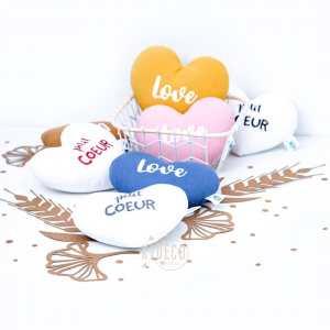 [COEURS] ❤️🧡💛💚💙💜🖤🤎🤍 . Je profite des commandes de petits coussins COEUR pour vous envoyer plein d'amour dans vos foyers spécialement en ce moment!!!🥰 D'ailleurs si vous souhaitez y mettre un prénom dessus, c'est évidemment possible 🙌🏼 . ◾️Petits coussins Love & petit COEUR ◾️Coussins doudous IG LIKE . Infos & tarifs sur l'e-shop www.kideco.fr (lien dans la bio) . Belle soirée! 🌙✨ . #kideco_creations #babyshop #nurserydecor #decobebe #chambrebebe #babyroom #chambreenfant #kidsroom #decoenfant #coussin #cushion #iglike #coeur #love #pastel #moutarde #rose #gris  #mumtobe #futuremaman #dadtobe #futurpapa #cadeaudenaissance #estyfr #etsysellers #faitmain #handmade #madeinfrance